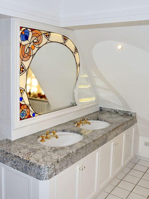 Leuchtende Ornamente Auftragsarbeit Glaskunst in der Architektur Innen und Außen Innenraum Privatkunden Schönes Glas für Ihr Zuhause