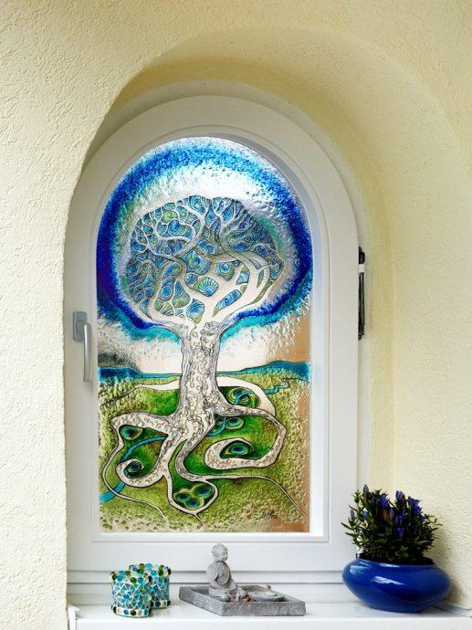 Verborgene Schätze Auftragsarbeit Außenbereich Glaskunst in der Architektur Glasmalerei Innen und Außen Privatkunden Schönes Glas für Ihr Zuhause